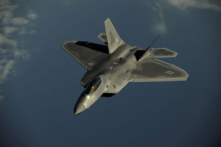 F-4 Phantom Iran Pernah Ngeri Berhadapan dengan F-22 Raptor